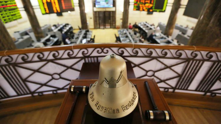 انخفاض البورصات المصرية والأوروبية بعد فقدان الطائرة المصرية