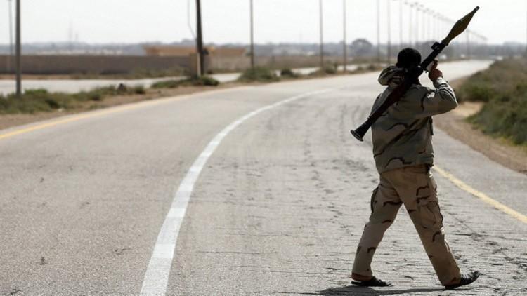 الجيش الليبي إلى سرت.. والحكومة تطالب بالتسليح