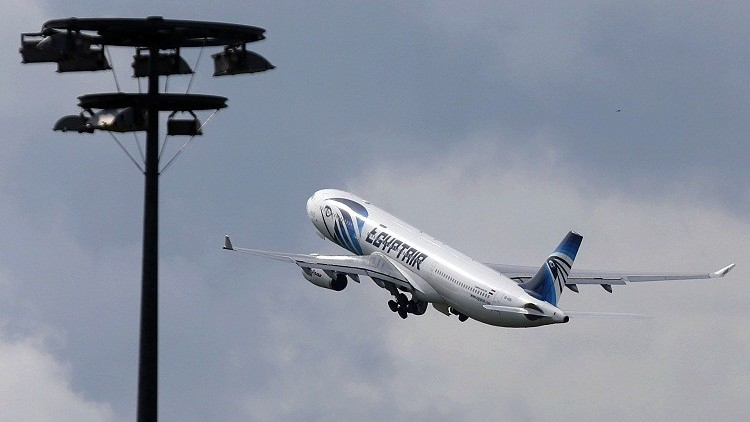 خبير إيطالي: المتفجرات سربت إلى الطائرة المصرية في إريتريا