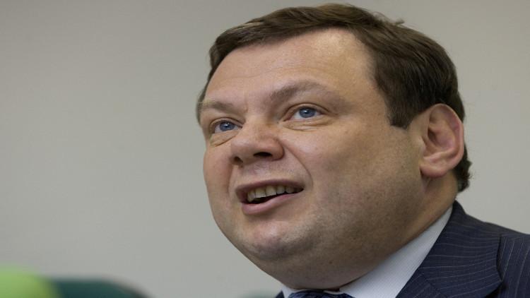 ملياردير روسي يقرر التبرع بكل ثروته خوفا على مستقبل أبنائه