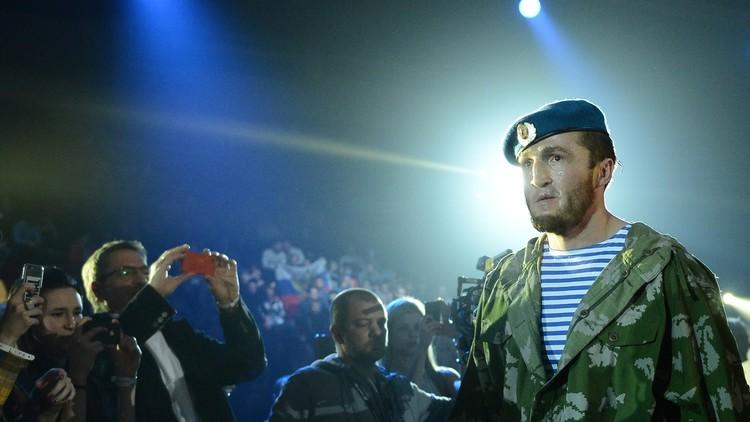 الملاكم الروسي ليبيديف يحتفظ بلقب بطل العالم