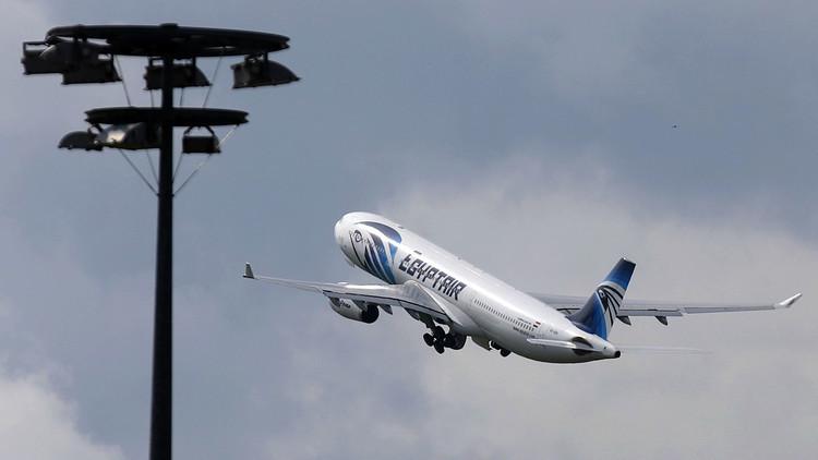 مصر: رصدنا الطائرة المنكوبة قبل دقيقة من تحطمها