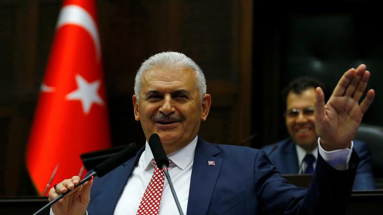 إعداد الدستور الجديد والانتقال إلى نظام رئاسي أولوية لحكومة تركيا الجديدة