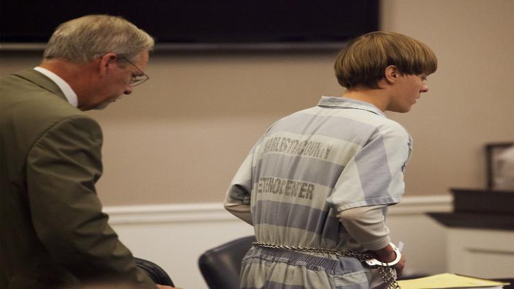 القضاء الأمريكي يطالب بإعدام قاتل المصلين داخل كنيسة