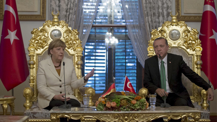 استطلاعات: الألمان لا يريدون أن تركع زعيمتهم لأردوغان