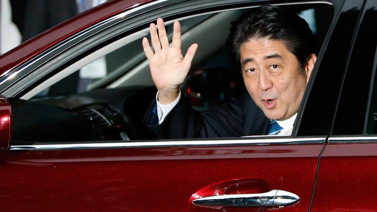 شينزو آبي يعرض سيارات ذات قيادة ذاتية