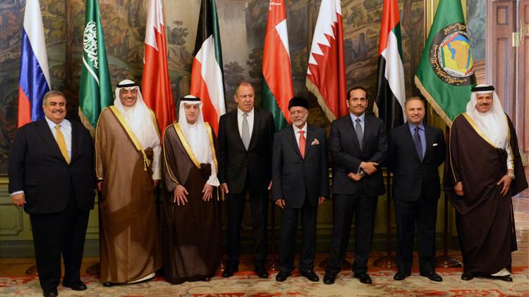 لافروف يؤكد ضرورة التعاون مع الخليج في مجال الطاقة