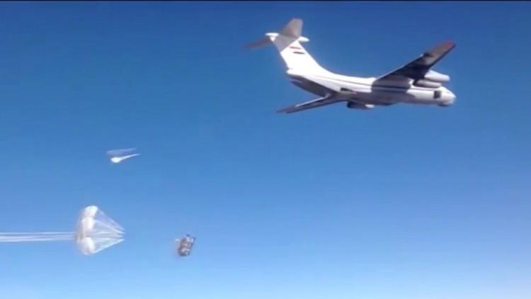 طائرات روسية تلقي مساعدات أممية على دير الزور