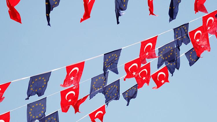 الأوروبيون يتهمون أردوغان بإقامة دولة شمولية