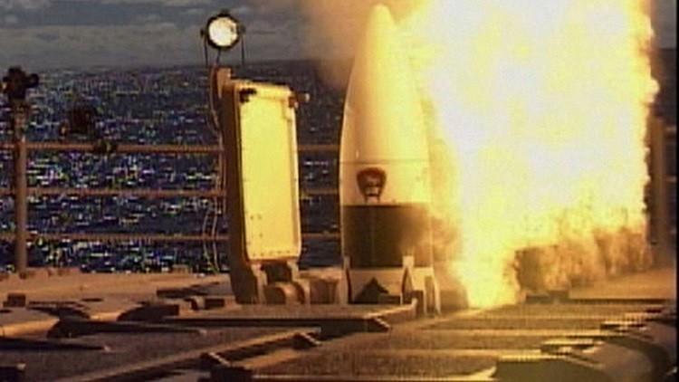 صاروخ أمريكي يدمر خصومه في الفضاء