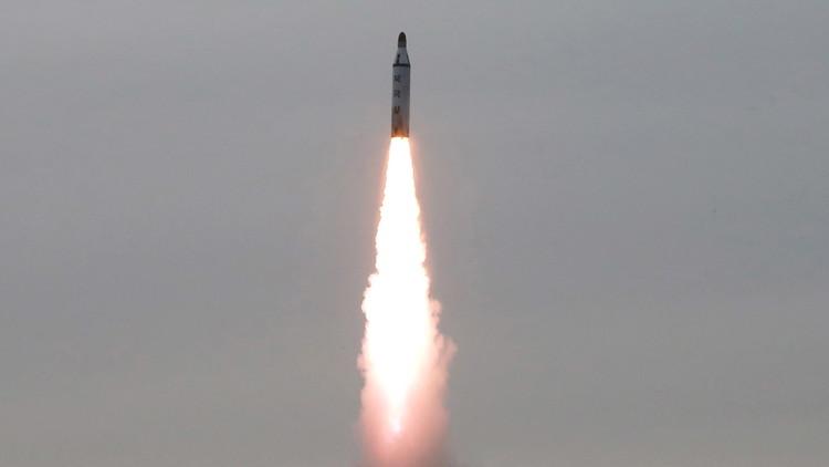طوكيو تتأهب خشية من صاروخ بيونغ يانغ