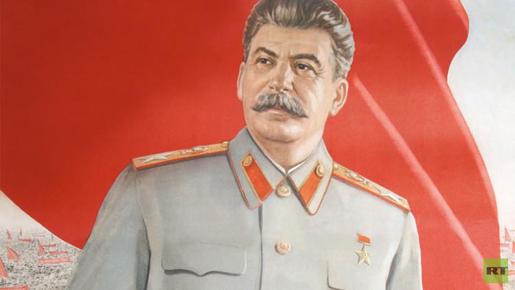 عبارات لستالين وهتلر والبغدادي في مدارس أمريكية!