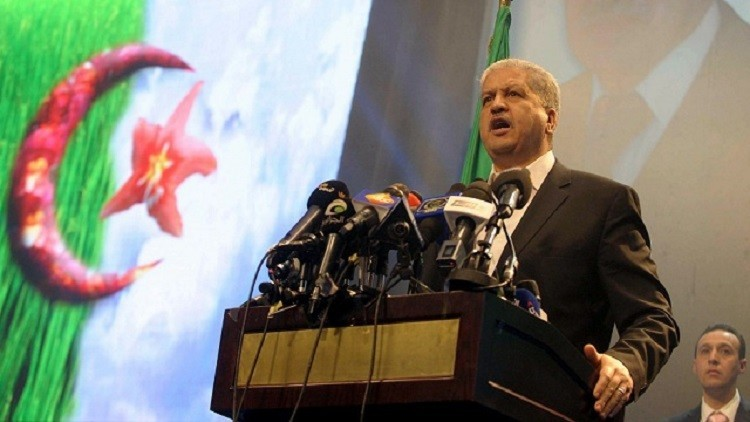 الجزائر تفتتح مصنعا للمروحيات!