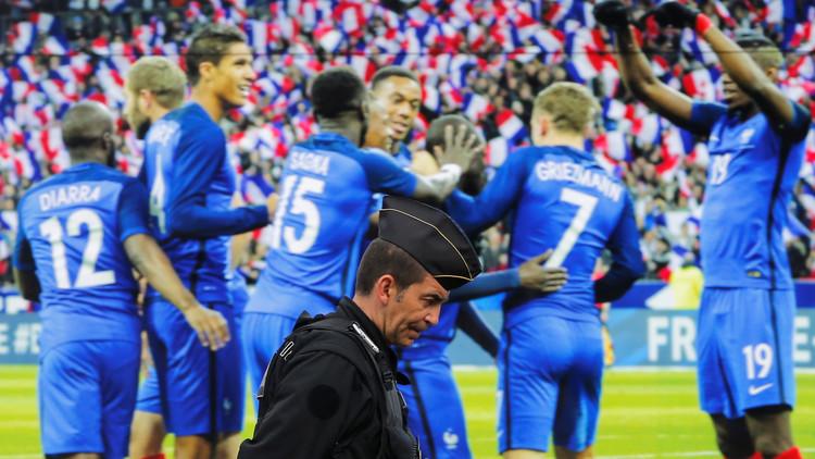 فرنسا تنتزع فوزا معنويا من الكاميرون (فيديو)