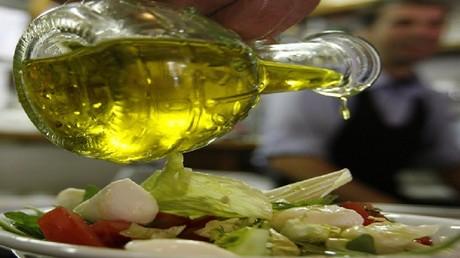 الزيوت النباتية سامة وتزيد خطر الإصابة بالسرطان وأمراض القلب