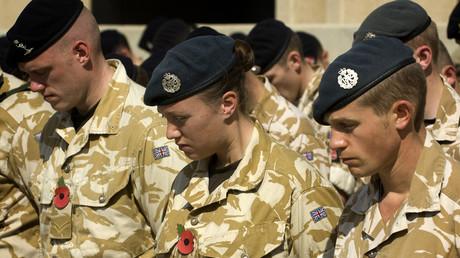 عسكريون بريطانيون مشاركن في حملة الناتو العسكرية بالعراق (العام 2008)