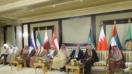 صورة للمشاركين في الاجتماع الثالث للحوار الاستراتيجي