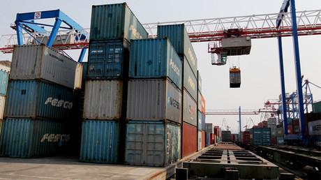 روسيا والصين تسعيان لتبادل تجاري يصل إلى 200 مليار دولار