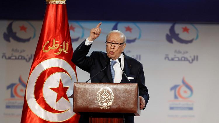 السبسي يدعو إلى تشكيل حكومة وحدة وطنية جديدة