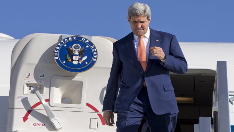 كيري يزور السعودية والإمارات