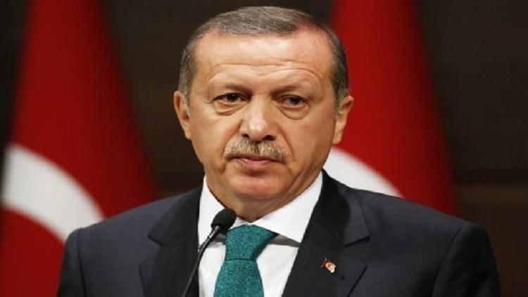 أردوغان يعزي أرملة الأسطورة