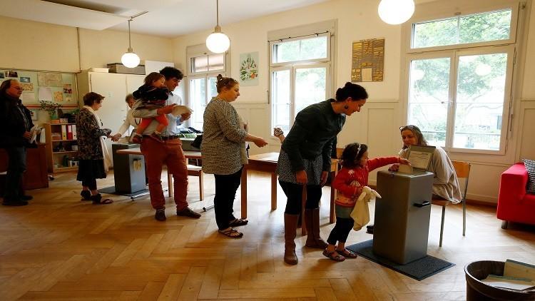 سويسرا ..النتائج الأولية للتصويت بشأن الراتب