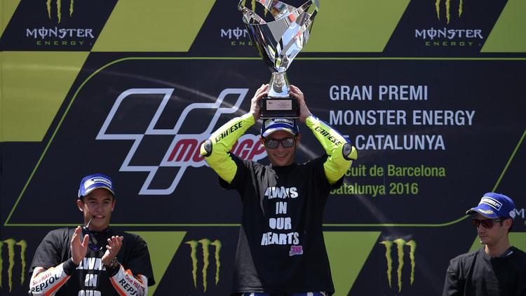 روسي يفوز بجائزة برشلونة الكبرى للدراجات النارية