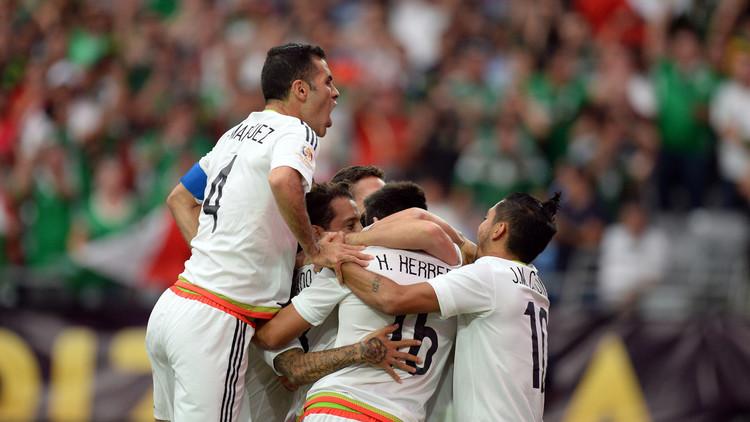 المكسيك تسقط الأوروغواي في