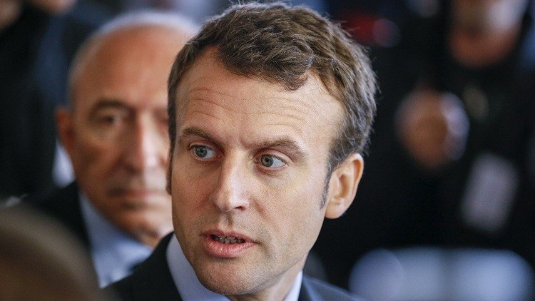 بالفيديو.. متظاهرون يرشقون وزير الاقتصاد الفرنسي بالبيض