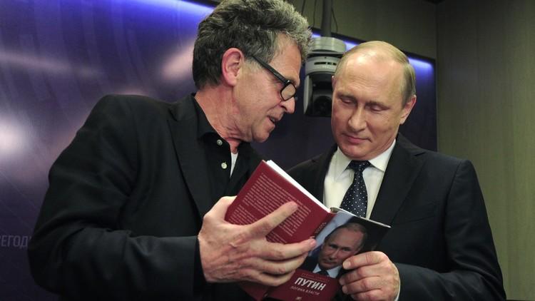 بوتين: لا أقرأ ما يكتب عني