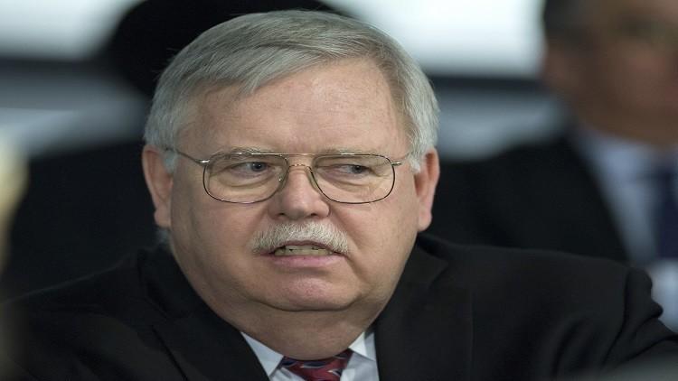 سفير أمريكي: درعنا الصاروخية غير موجهة ضد روسيا