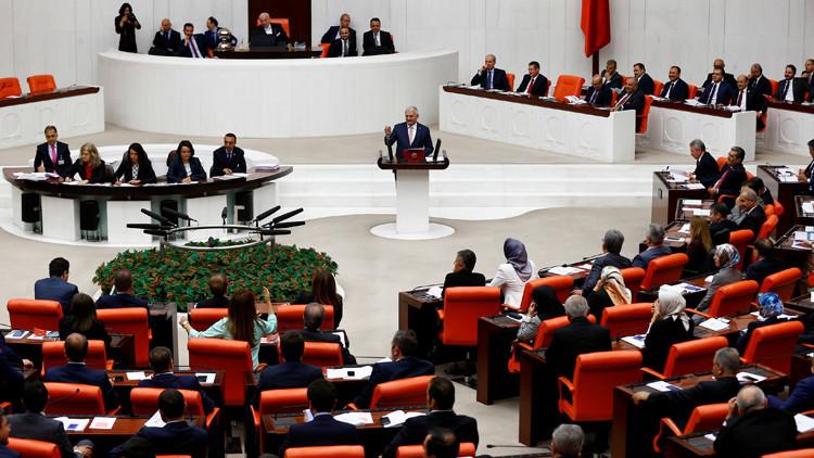 أردوغان يحيل النواب الأتراك إلى القضاء