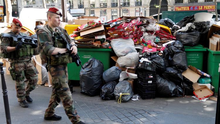 روائح القمامة تطغى على يورو فرنسا