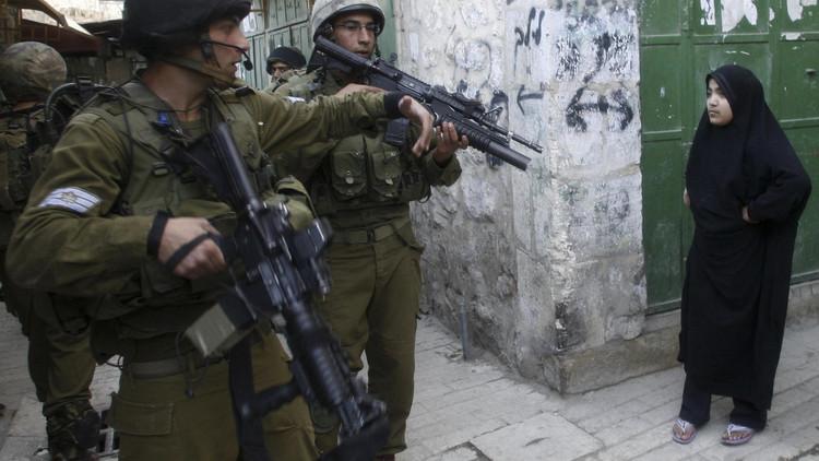 إسرائيل تفرض طوقا أمنيا على الضفة الغربية