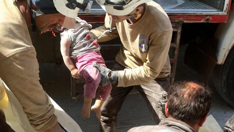 مقتل طفل وإصابة 8 مدنيين بقصف لـ