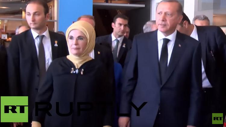 أردوغان يخطف الأضواء من الأسطورة كلاي