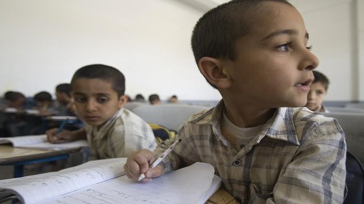 8 آلاف تلميذ عراقي يواصلون دراستهم في إيران