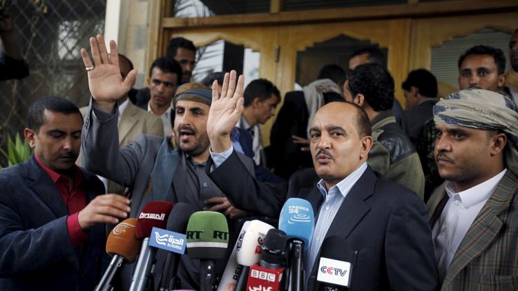 وفد الحوثيين يصر على شرط حكومة الوفاق