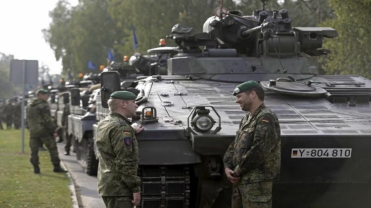 جنود الناتو يخربون ممتلكات عامة في لاتفيا