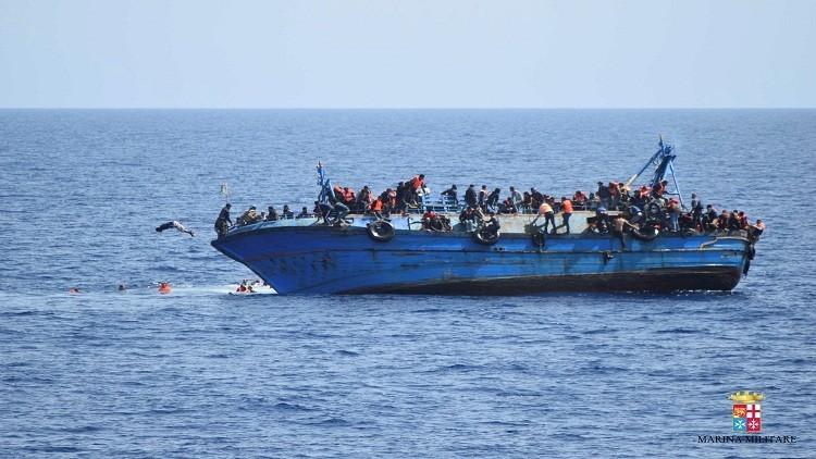 خفر السواحل في إيطاليا ينقذ 1230 مهاجرا