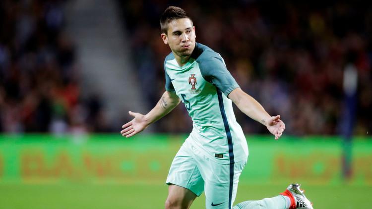 دورتموند يضم المدافع البرتغالي رفائيل جيريرو
