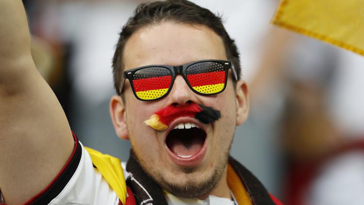 التشكيلة الرسمية لألمانيا وبولندا