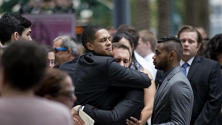 جرح شرطيين في أثناء جنازة لأحد ضحايا هجوم أورلاندو