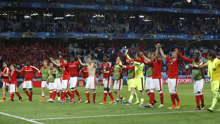 سويسرا ترافق فرنسا  إلى دور 16  في