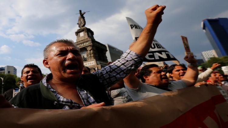 قتلى وجرحى في اشتباكات بين محتجين والشرطة في المكسيك