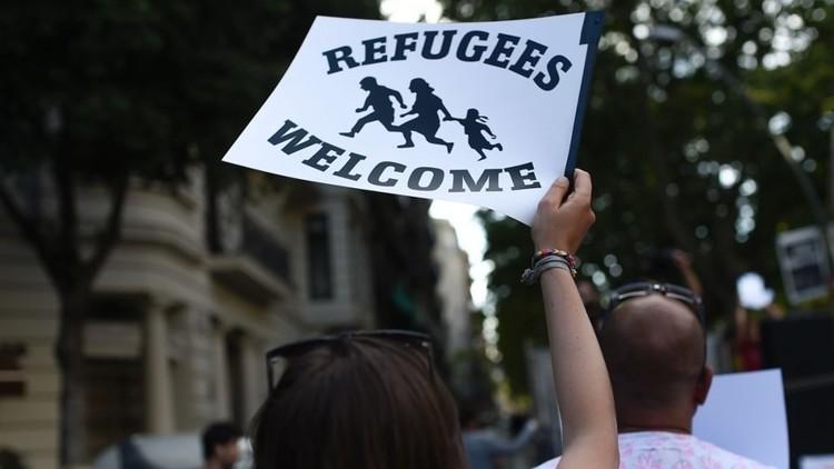 الإسبان يتظاهرون لفتح الحدود أمام اللاجئين