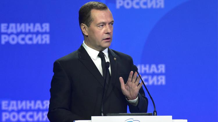 مدفيديف: الاقتصاد الروسي تحت السيطرة