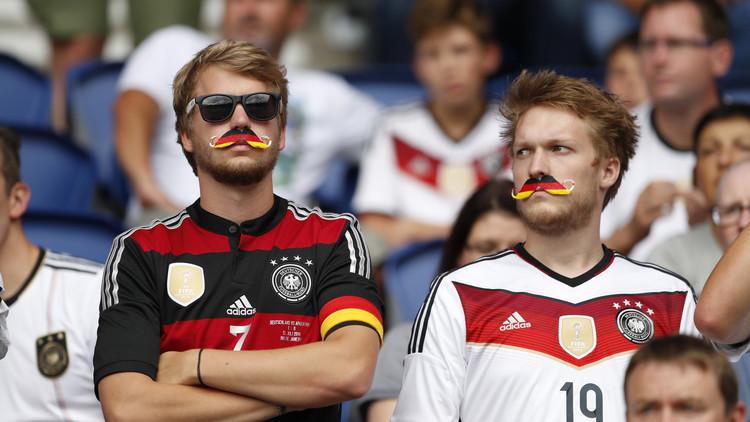 تشكيلة ألمانيا وايرلندا الشمالية ..