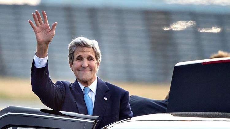 كيري يأخذ على محمل الجد دعوة دبلوماسيين لاستهداف الجيش السوري