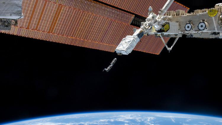 الكشف عن أسرار أقمار اصطناعية عسكرية أمريكية